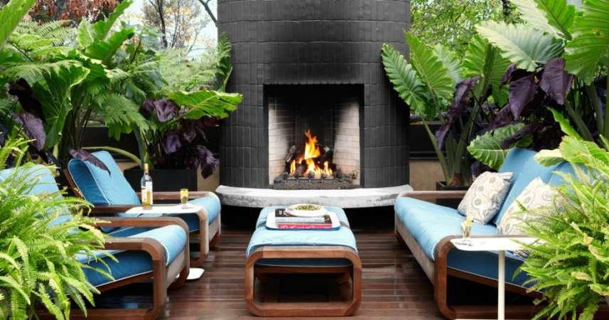 http://www.housebeautiful.com/room-decorating/outdoor-ideas/tips/g1952/indoor-outdoor-rooms/