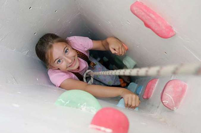 http://www.sfgate.com/homeandgarden/article/CLIMBING-THE-WALLS-Faced-with-a-dearth-of-yard-2571013.php#photo-2711932