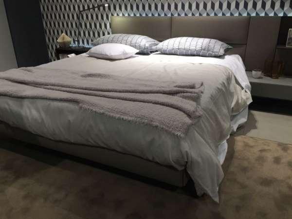 http://cdn.homedit.com/wp-content/uploads/2016/09/Bedside-surface.jpg