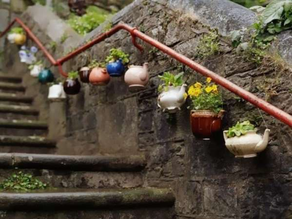 http://www.boredpanda.com/diy-repurpose-old-kitchen-stuff/