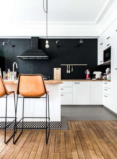 siyah duvar mutfak için