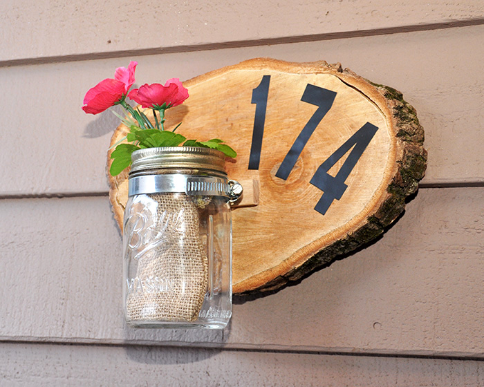 http://diycandy.com/2015/03/make-a-house-number-sign-with-a-wood-slice/