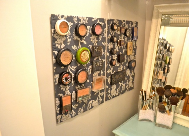 http://cutediyprojects.com/beauty-style/25-brilliant-easy-diy-makeup-storage-ideas/